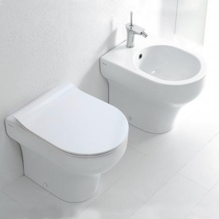 Effacer les appareils sanitaires en céramique Olympia contre le mur