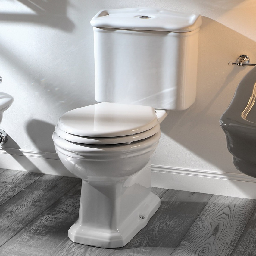 WC avec réservoir extérieur avec siphon de sol