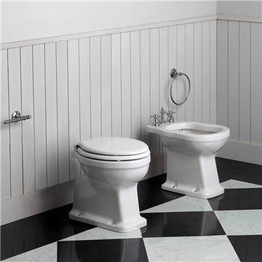 Sanitari bagno classici sanitari a terra distanziati Londra Simas