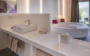 Hotel Casa Barca chooses our e-commerce and washbasins from the Tratto collection